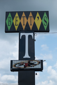 Bett's Big T Restaurant at  2525 N Young Blvd (US19) Chiefland, FL 32626
