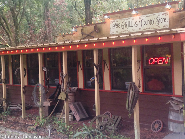 19/98 Grill and Country Store