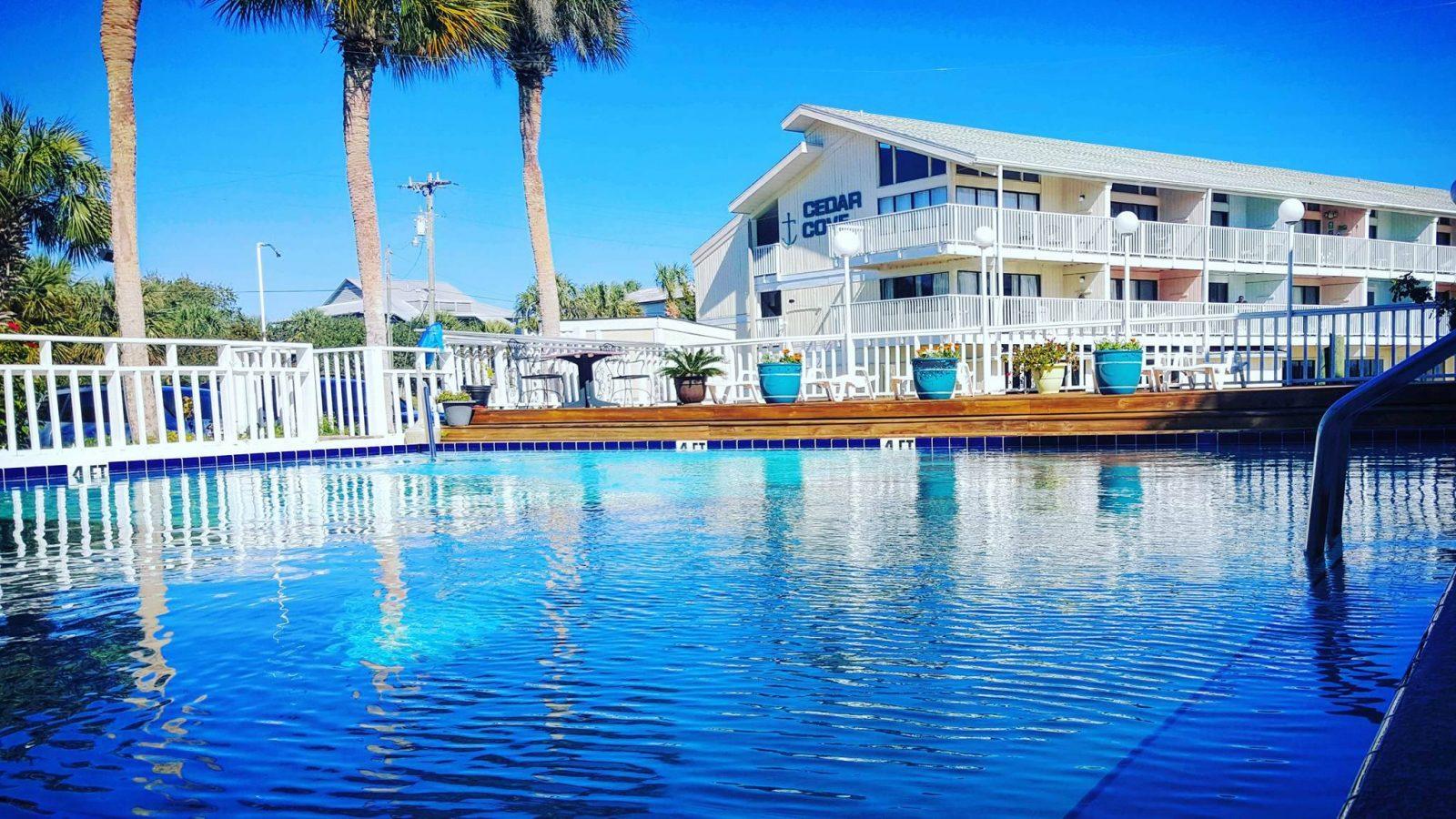 Cedar Cove Hotel